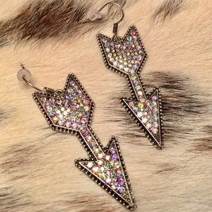 Jewelry - Glistening Arrows Earrings